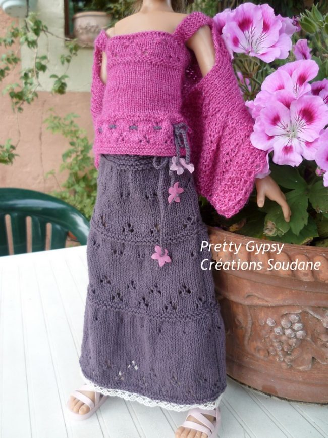 Knitted skirt and top with ruffles