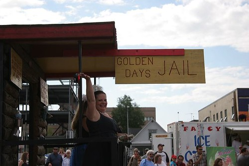 "Golden Days Jail hauled on a truck in Fairbanks ""085_alaska_2007_1529.jpg"" by lizstless is licensed under CC BY-NC-ND 2.0"