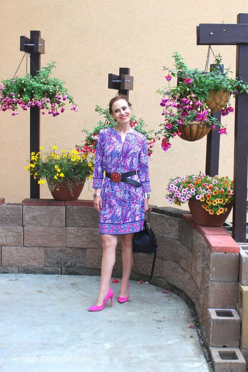 style book author Nicole Mölders in paisley sunprotective dress with long sleeves