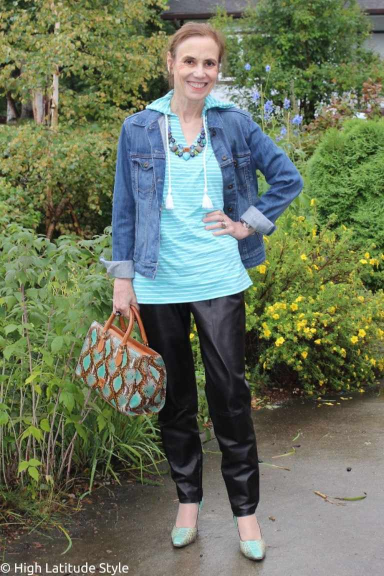 Read more about the article 16 Tips to Transition Your Summer Pieces into Fall