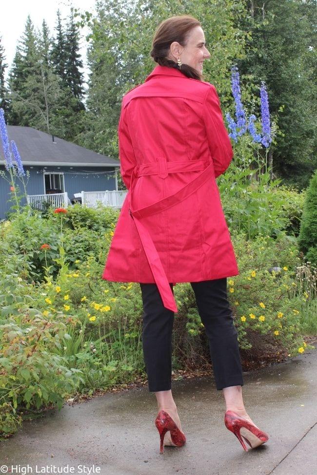 back view of Wantdo red waterproof coat