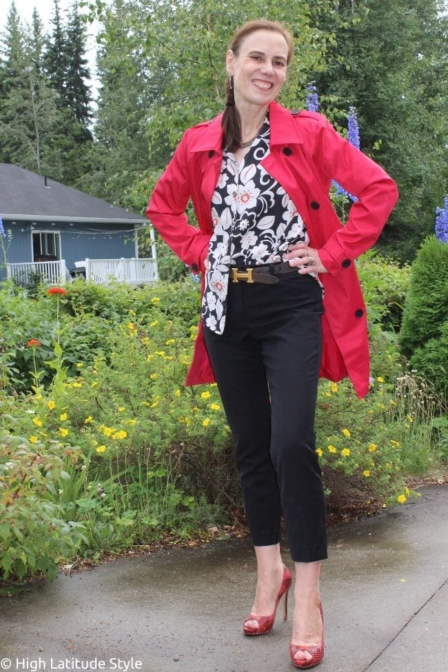 red Wantdo trench styled with Hawaiian shirt, cropped black pants, heels and belt