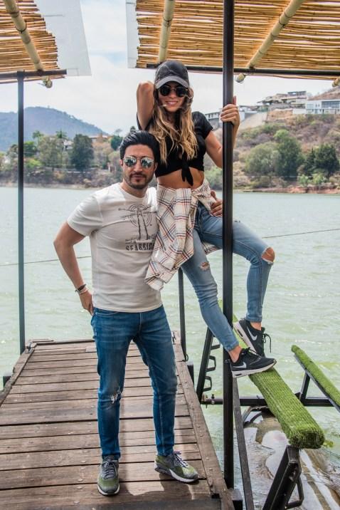 Alex Esparza y Karina Torres