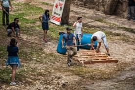 Equipo Point Reyes armando su bote
