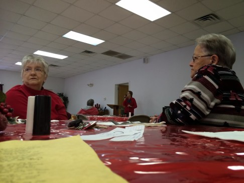 delores sings at seniors christmas lunch