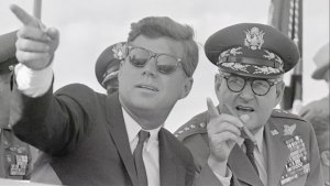 History_Speeches_1123_Lemay_Kennedy_Cuban_Missile_Crisis_still_624x352