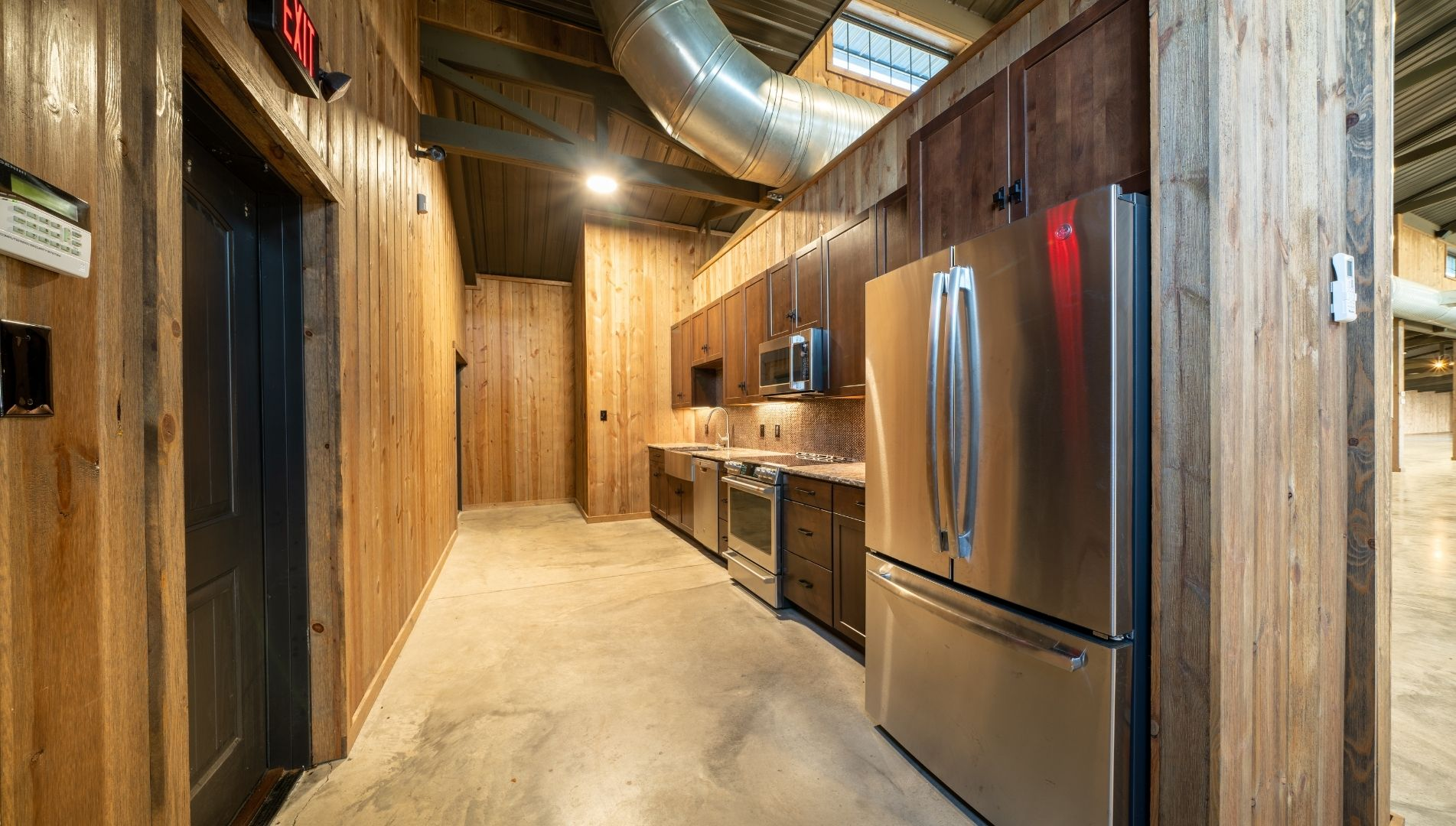 High Pointe Luxury Development Barn