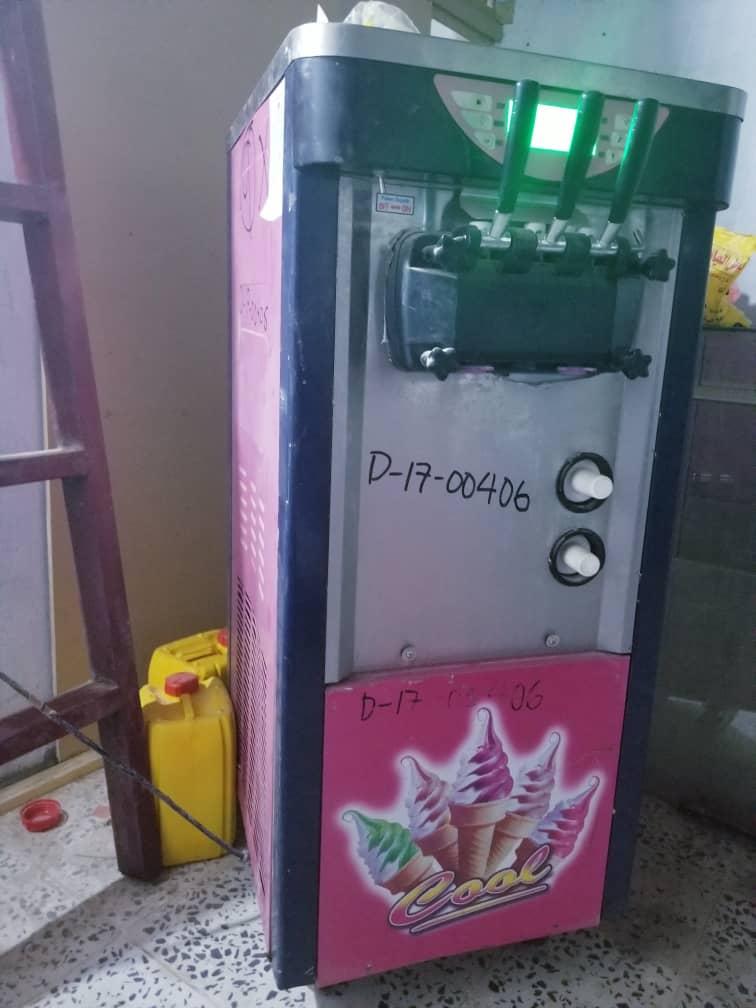 ماكينة ايس كريم سوفت صيني للمحلات مستعملة للبيع