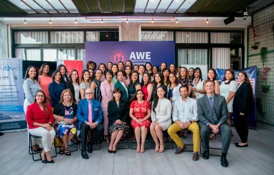 36 dominicanas en la Academia para Mujeres Emprendedoras