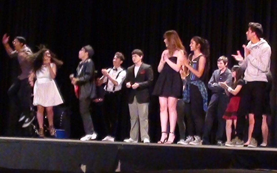 Students compete to be the next Hollywood Idol