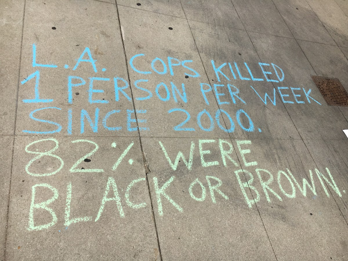 One of Newmeyer's chalk drawings behind the LAPD Headquaters.