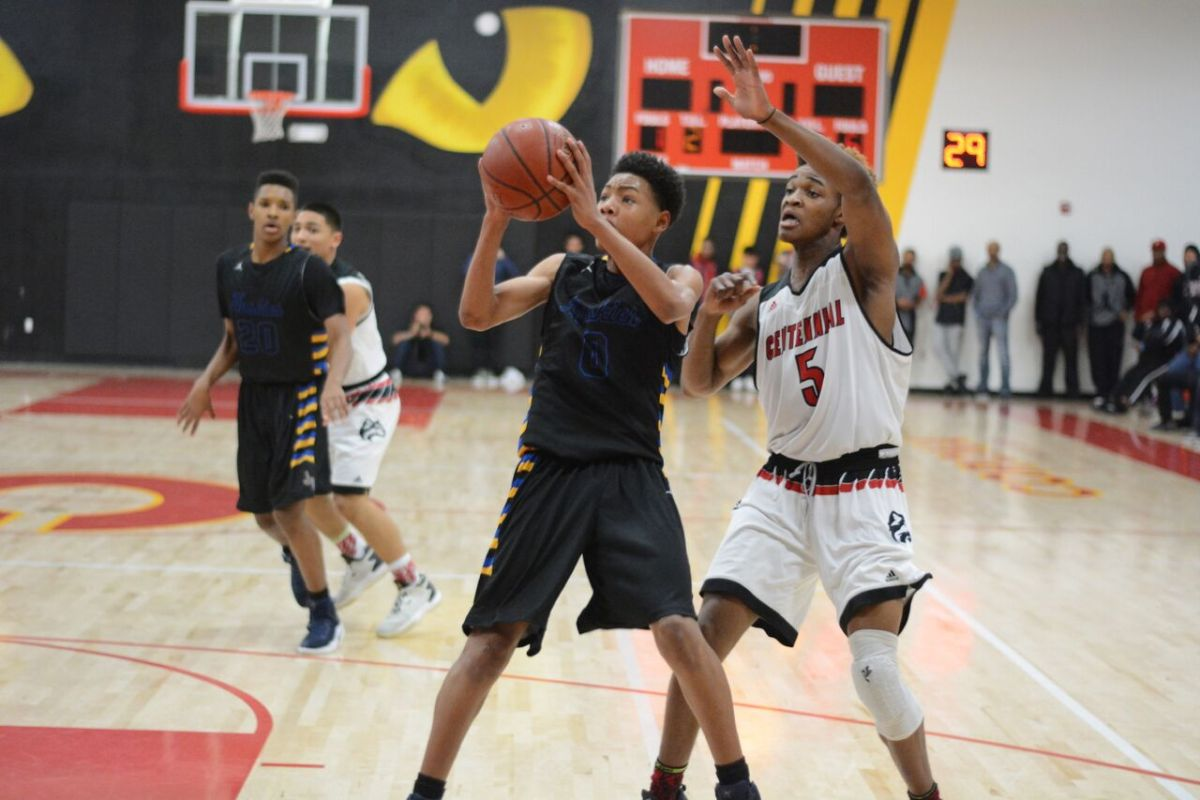 JW North's Melvin Walker scored 24 points throughout the game. Dylan Stewart/LA Times HS Insider