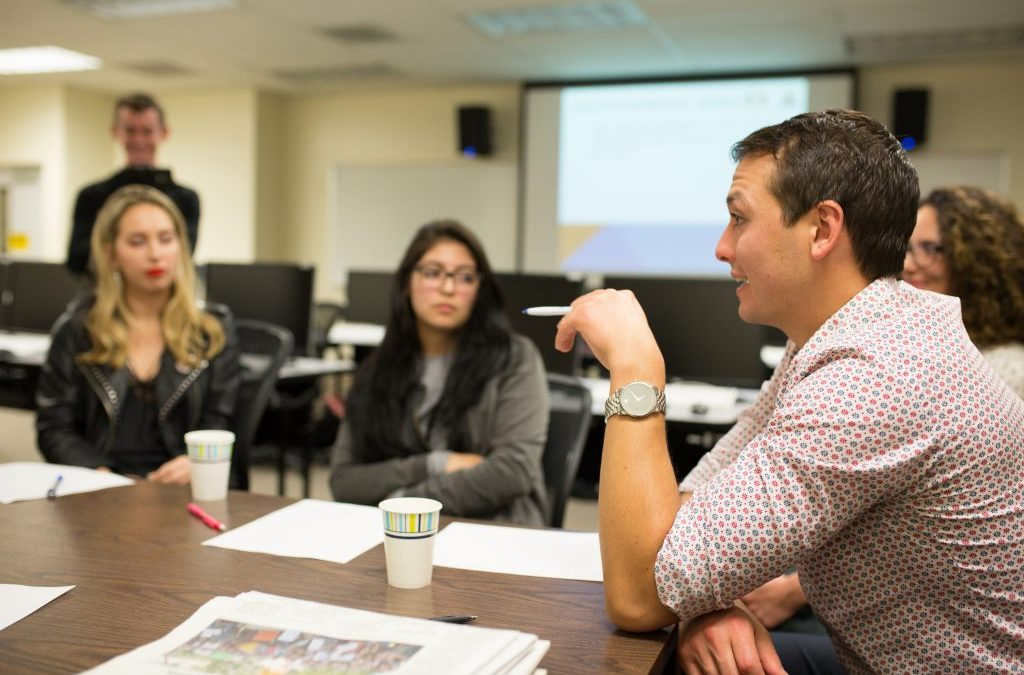 Kyle Finck of LA Times meets with Chronicle staff