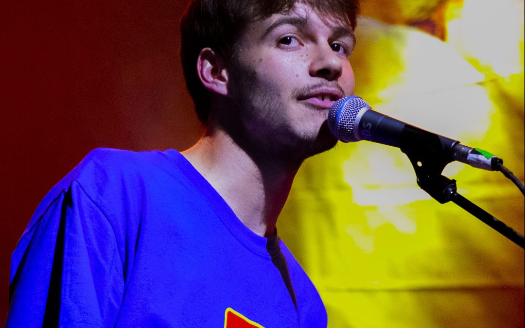 Concert Review: Rex Orange County creates a soulful fantasy at Observatory O.C.
