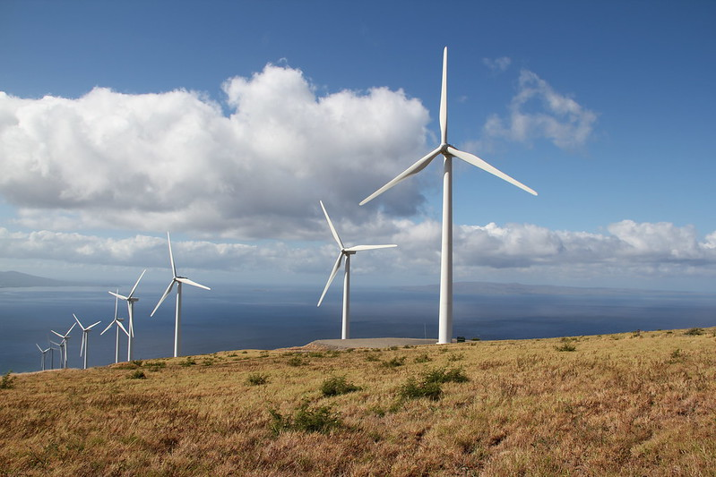 Fossil fuels versus clean energy: the facts
