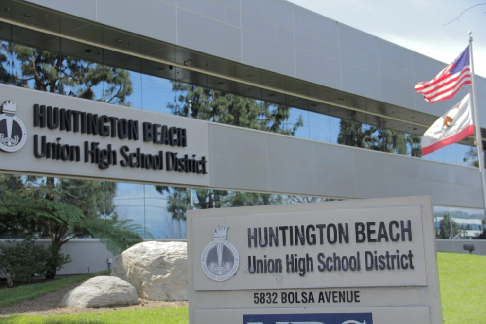 HBUHSD to temporarily return to completely virtual instruction