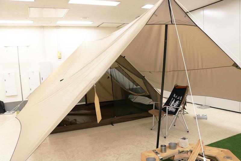 小川キャンパル2018年新作 Trianglo(トリアングロ)!!タープへ吊り下げ式のテントはワイルドな小川が垣間見せる優しさを感じるテントだ!!