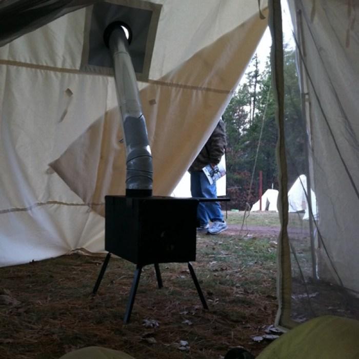 FrostRiver キャンプファイヤーテント 煙突インストール
