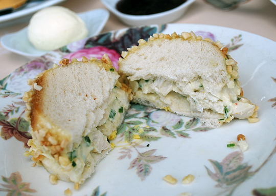 Chicken mayonnaise sandwich with chopped almonds