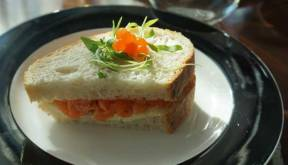 Ora King Salmon, chive cream cheese on house baked white bread