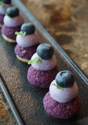 Choux Bun Blueberry