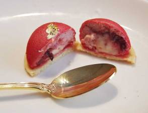 Strawberry & lemon basil sphere, sablé cookie