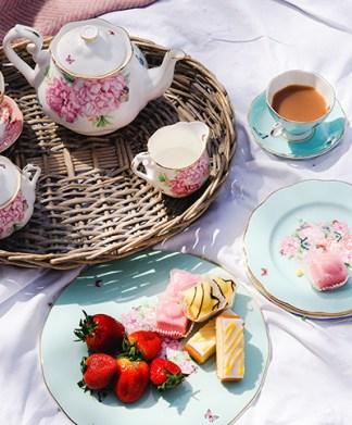 Miranda Kerr for Royal Albert Tea Set