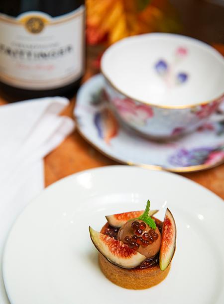 La Figue Violette de Bordeaux Balsamic Fig with its compote, Hazelnut and Caviar