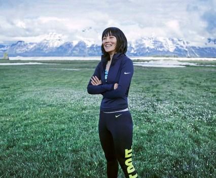 Exercícios com as atletas de Inverno na app Nike+ Training Club. Na foto Cai Xuetong