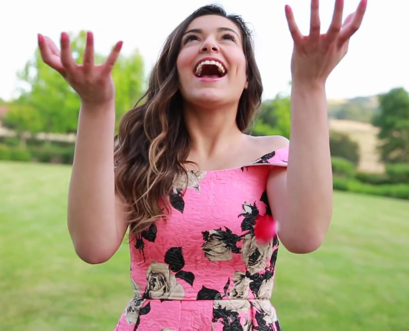 Novas Celebridades. YouTubers. Bethany Mota
