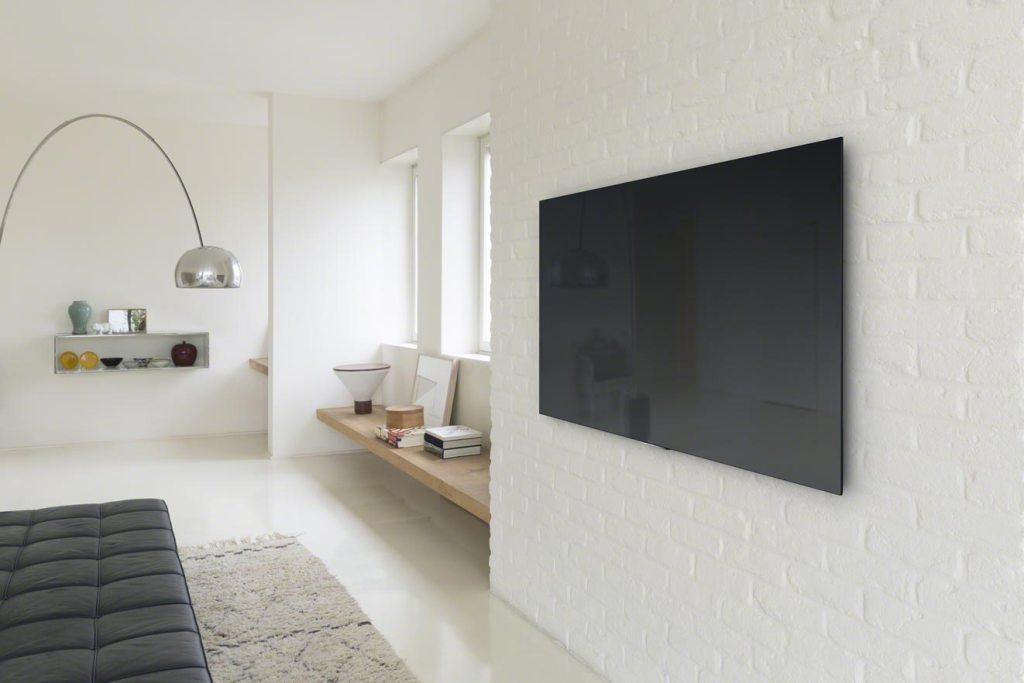 Televisor Bravia X90C, da Sony, uma Smart TV 4K com 4,9 milímetros de espessura
