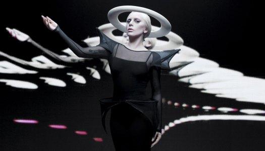 Lady Gaga high-tech na noite dos Grammy Awards
