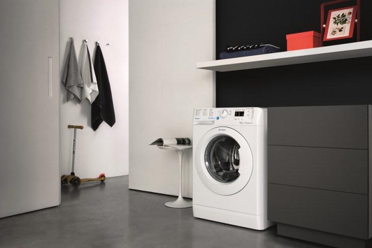 Máquina de Lavar Roupa Innex, da Indesit