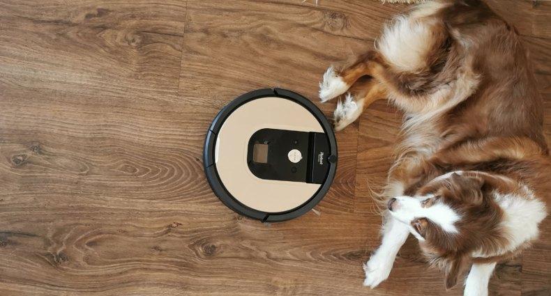 Robô aspirador Roomba 976, da iRobot