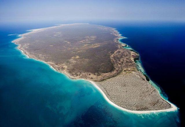 Isla-La-Tortuga-de-oeste-a-este-higueroteonline-640x440
