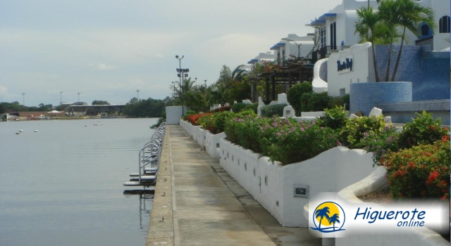 Puerto Bay en Puerto Encantado Higuerote.