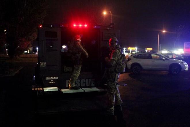 Bellingham SWAT officers are seen at the Cascade Mall following reports of an active shooter in Burlington, Washington, U.S. September 23, 2016. REUTERS/Matt Mills McKnight