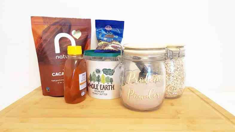 The ingredients needed to make chcolaty protein balls in under 10 minutes. The ideal protein snack.