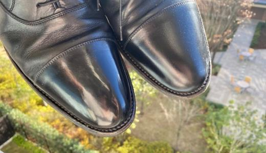 【靴磨き】初心者必見!どんな靴でも30分で光らせるコツ 鏡面にならない理由は水量とワックスの塗り方