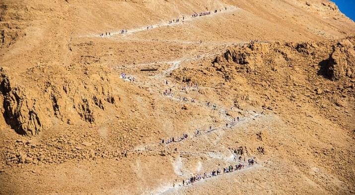 Snake path Masada full of hikers
