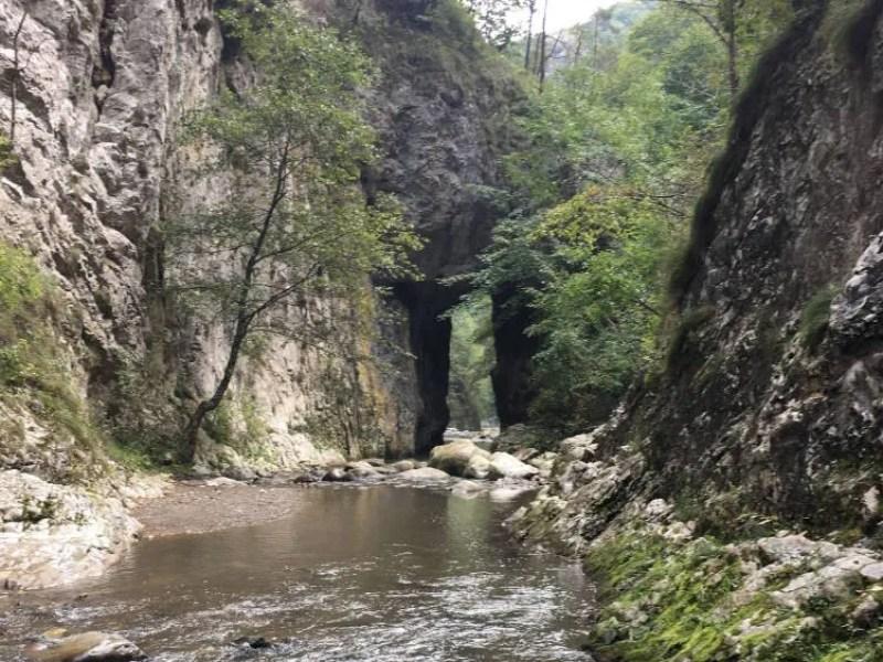 הגרש הטבעי מעל נהר רמיטולו
