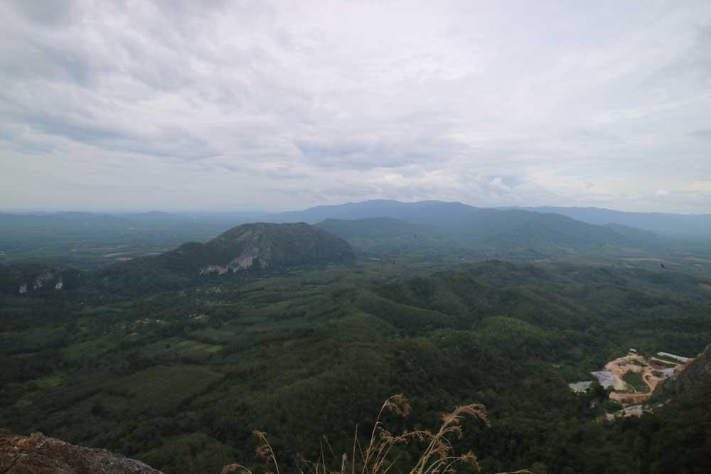 Gunung Baling summit