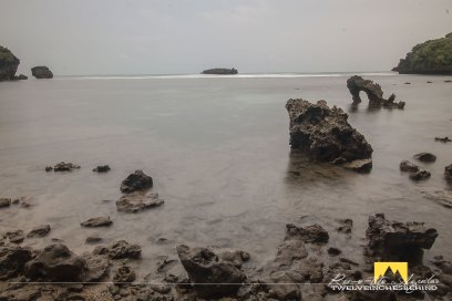The iconic coralline rock on the beachfront during low tides