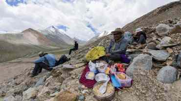 Trekking-food-himalayas-hikesdaddy-