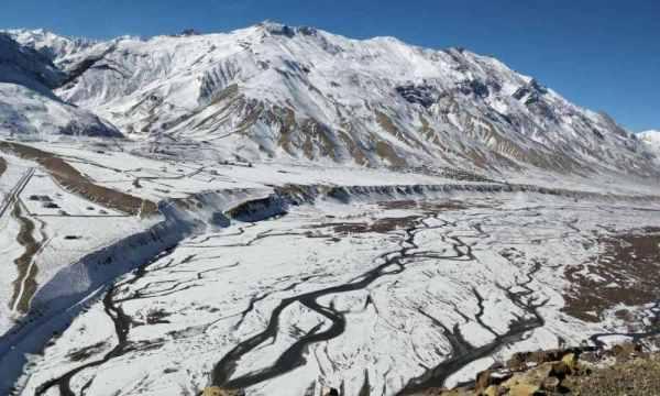 Kaza-winters-Spiti-Valley-bus