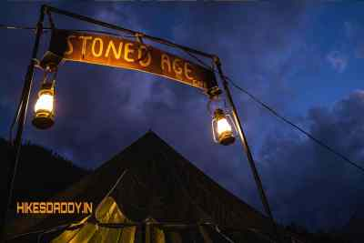StonedAge-Cafe-Inn-tosh-hikesdaddy-10.jpg