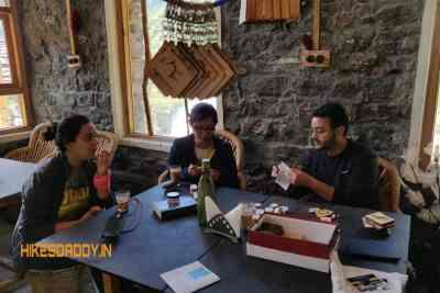 StonedAge-Cafe-Inn-tosh-hikesdaddy-7_1.jpg