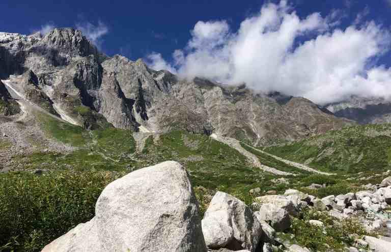Lohali-Beas-Kund-trek-Campsite-Hikesdaddy