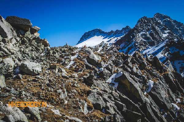 indrahar-pass-trek-hikesdaddy
