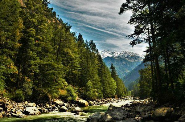 parvati-river-kasol-hikesdaddy